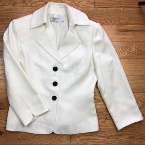 TAHARI White Button Blazer